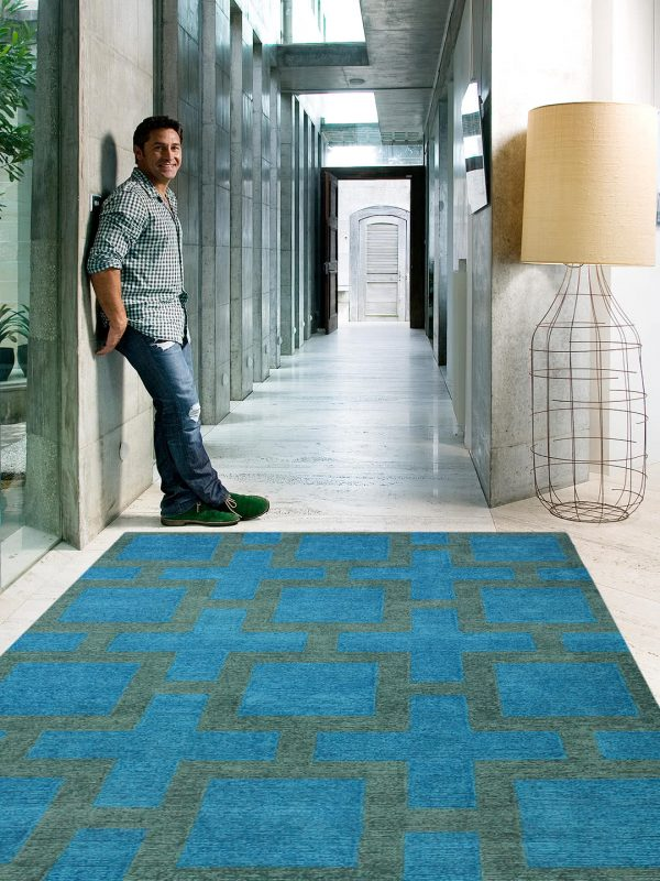 Transterior Rug Cross Blue- By Jamie Durie
